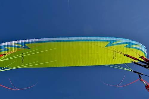 Der MENTOR 3 in den Farben des NOVA Pilots team