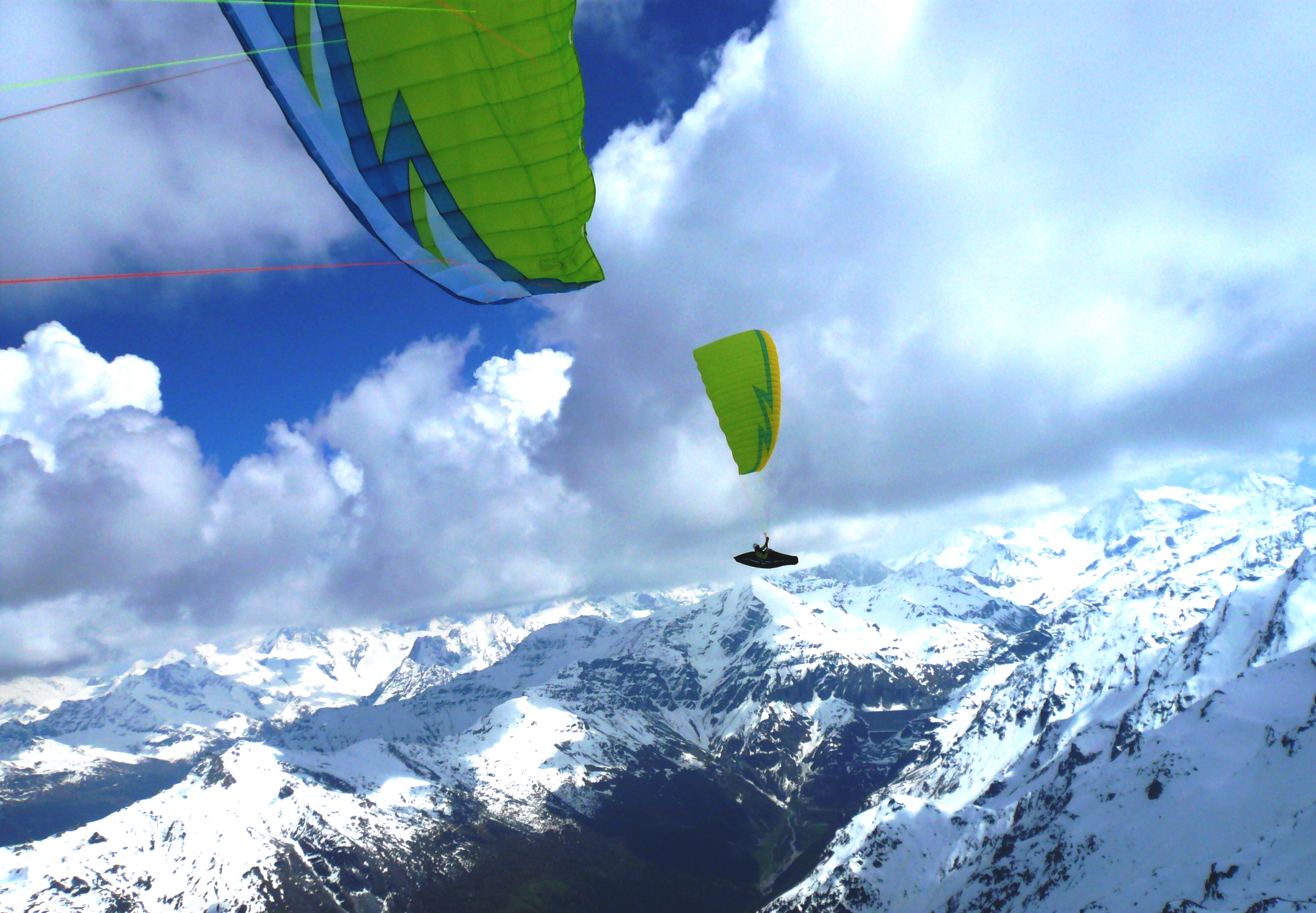 Ask the giants for a dance (XC flying in Valais)