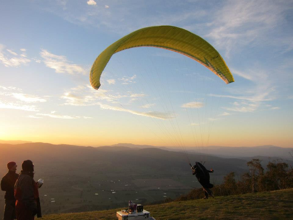 Flying the Corryong Open 2014 (Australia)