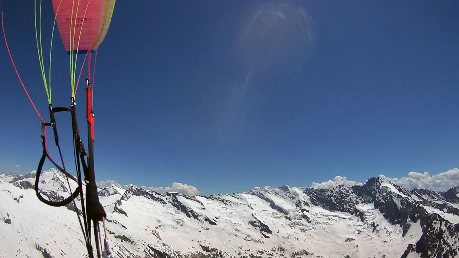 Grosser Geiger (3.460m), Simonyspitzen (3.473m) und Dreiherrnspitze.