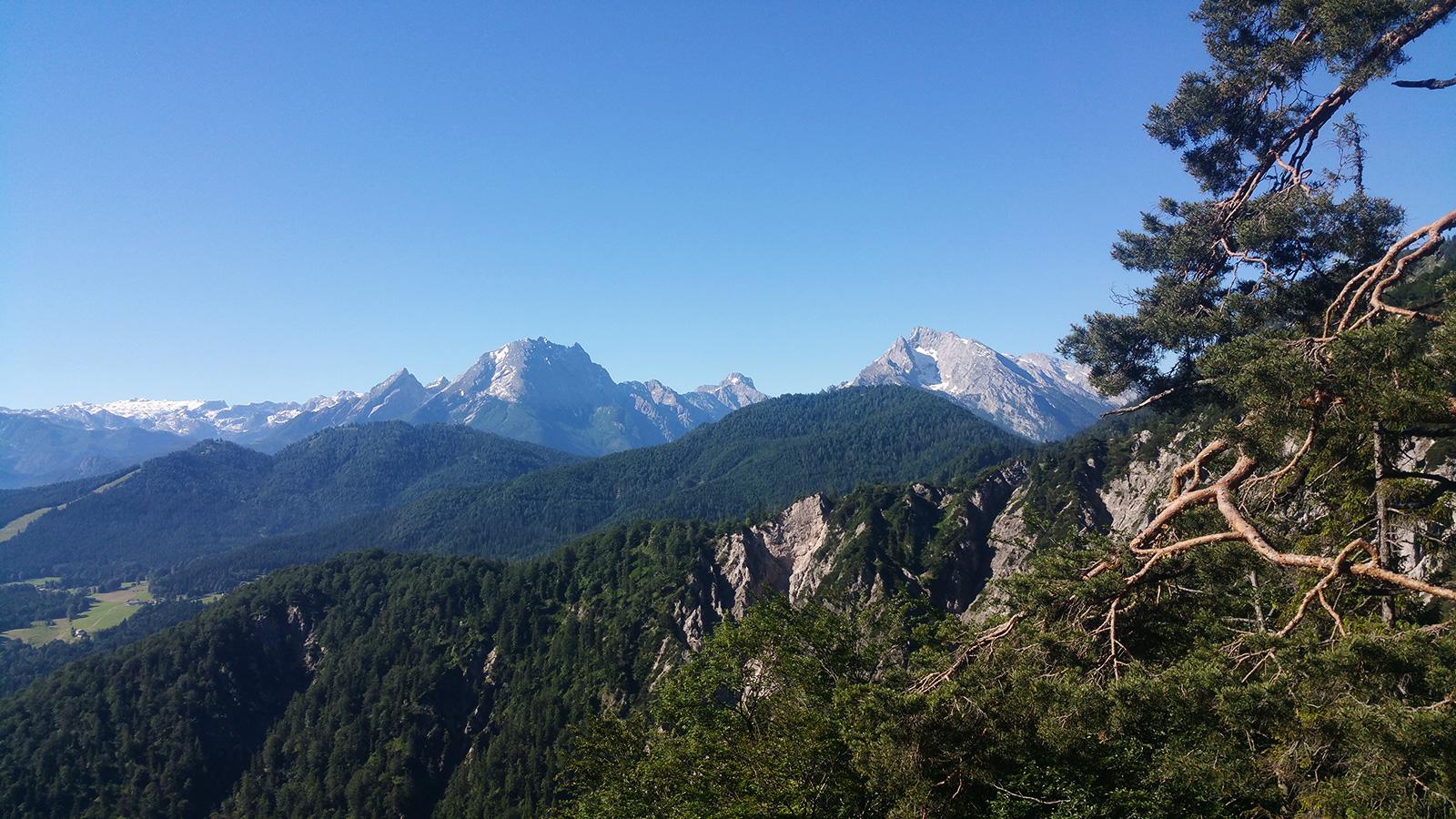 Blick in die Berchtesgadener Alpen mit Steinernem Meer, Watzmann und Co.