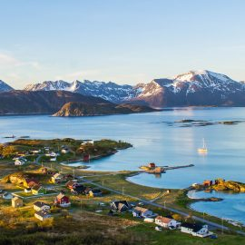 NIGHTFLIGHT – Midnightsun flying in Northern Norway